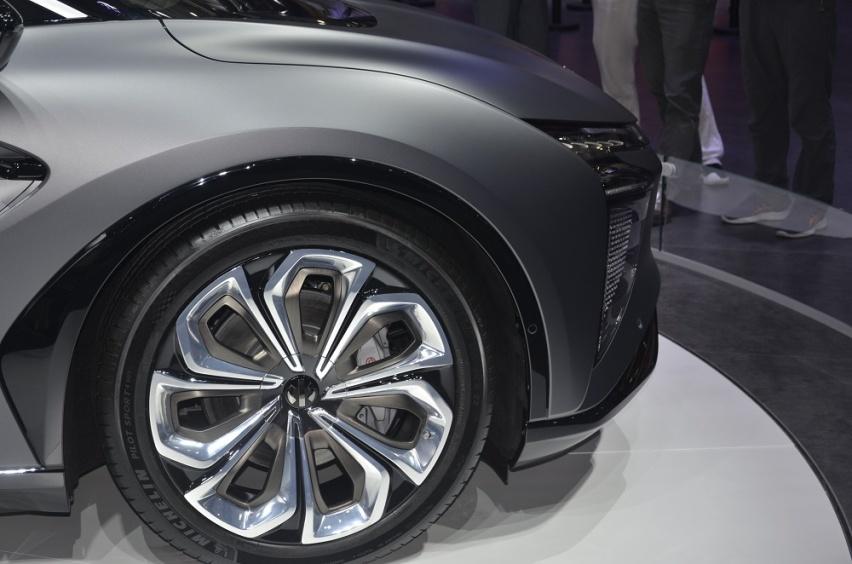 SUV高合HiPhi X 华南首秀 创始版四座车型售80万元