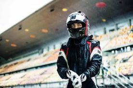 """2分17秒,吉利缤瑞创造同级最快赛道圈速,年轻人的""""钢炮""""座"""