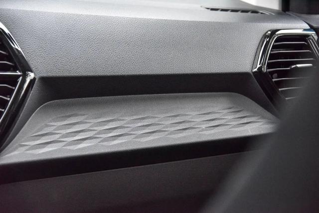 顶配不到14万的中型SUV!全系LED灯+全景天窗,值了