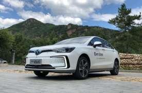 9月卖的最好的10款新能源车,比亚迪占4款,第一第二你猜不到