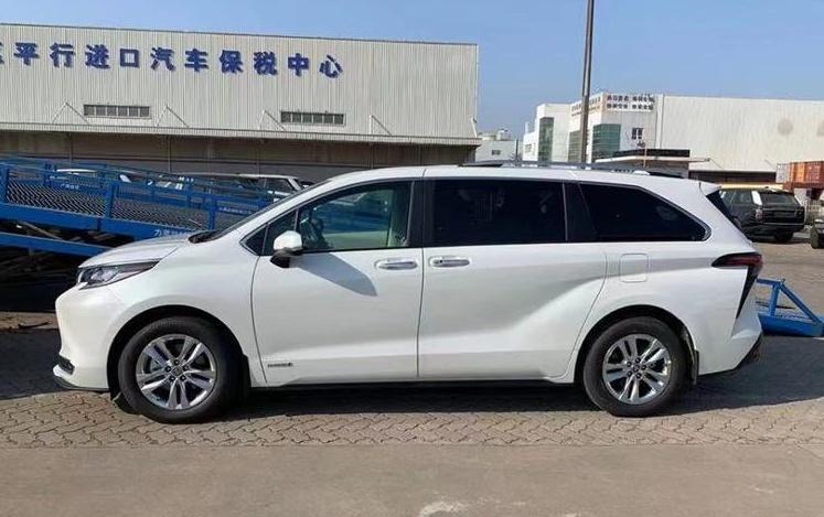 """广汽丰田首款MPV定名""""赛那"""",新车或第四季度亮相?"""