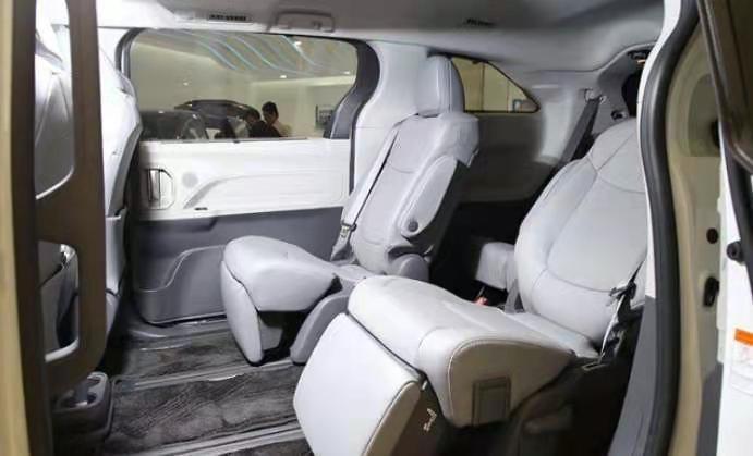 流水的MPV,铁打的塞纳,2021款丰田塞纳首批车已到店