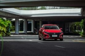 长安逸动PLUS卖了10万辆,又一款让合资家轿发怵的车型
