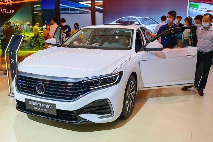 2021粤港澳车展:大众新款帕萨特亮相-爱卡汽车爱咖号