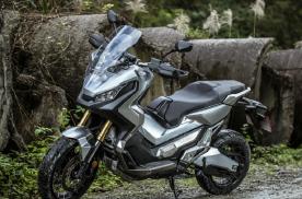 大型运动踏板摩托车:通勤、跑山皆宜的双缸大绵羊