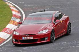 特斯拉Model S Plaid三电机功率过千匹 2秒破百