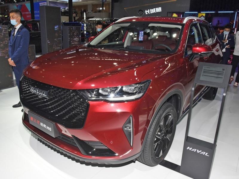 售价13.69万起,第三代哈弗H6 2.0T四驱版车型上市