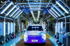 成为全球首家突破2200辆的中国车企,五菱汽车推出全球银标