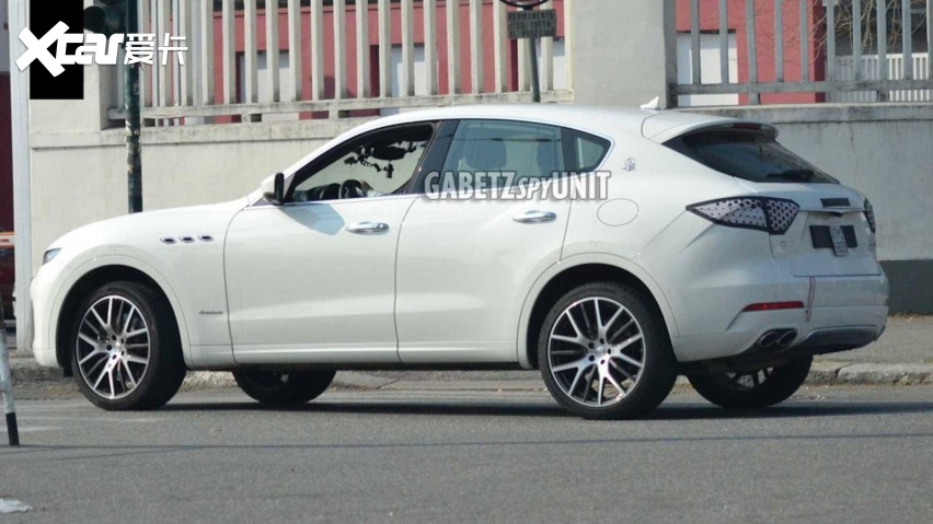 maserati-levante-facelift-spy-shots (3).jpg