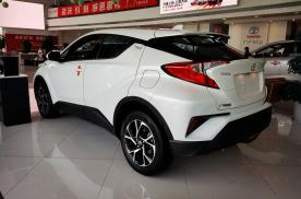 丰田最个性SUV之选!降至12.18万,全系都是2.0L,关键油耗才6