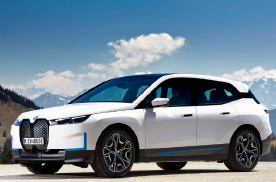 宝马的全新中大型SUV,比X7还大气,配贯穿屏幕,续航超600KM