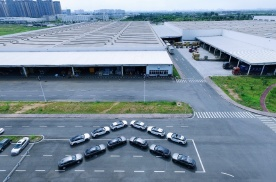 东风雪铁龙凡尔赛C5 X首批展车正式发运!将于8月9日开启预售