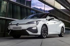 中国自主品牌新能源汽车销冠 广汽新能源2020款埃安S上市