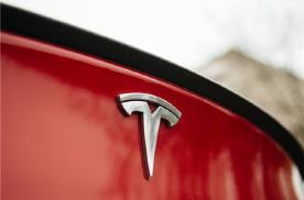 Model S天窗行驶中脱落 马斯克正计划进军空调行业