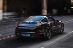 和蓝天Say Hi:保时捷发布全新一代 911 Targa