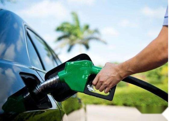 10万级省油买菜车,这三大热门之选,用起来舒服成本也低
