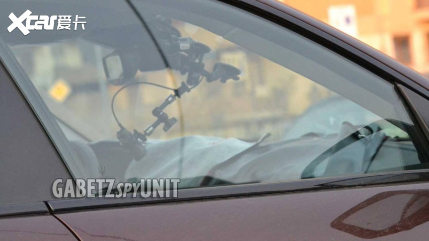 maserati-levante-facelift-spy-shots (2).jpg