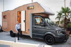 全实木C型房车,储物舱能睡人,拼接工艺令人惊叹!