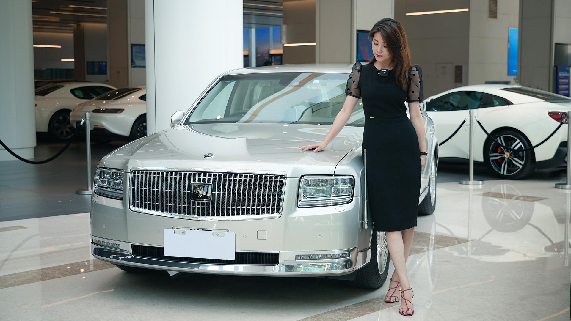 涓子体验丰田世纪&奔驰迈巴赫S680普尔曼,什么叫总统级座驾视频