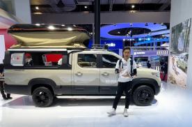 袁启聪逛五菱展台,这种玩乐性质的车,也就五菱能做到