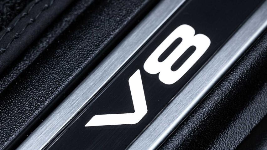 路虎发布卫士V8版本,搭载5.0T机械增压,你想买吗?