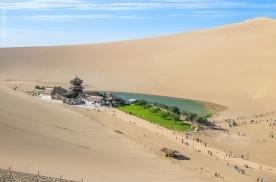 行摄敦煌,沙不填泉的沙漠奇观,月牙泉鸣沙山这样拍更过瘾