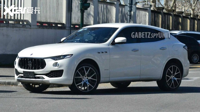 maserati-levante-facelift-spy-shots.jpg