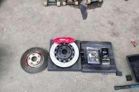 红旗汽车刹车改装案例分享 红旗HS5改装TEI六活塞刹车套件