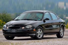 稀少的1999年款第三代福特金牛座3.2 V8性能版