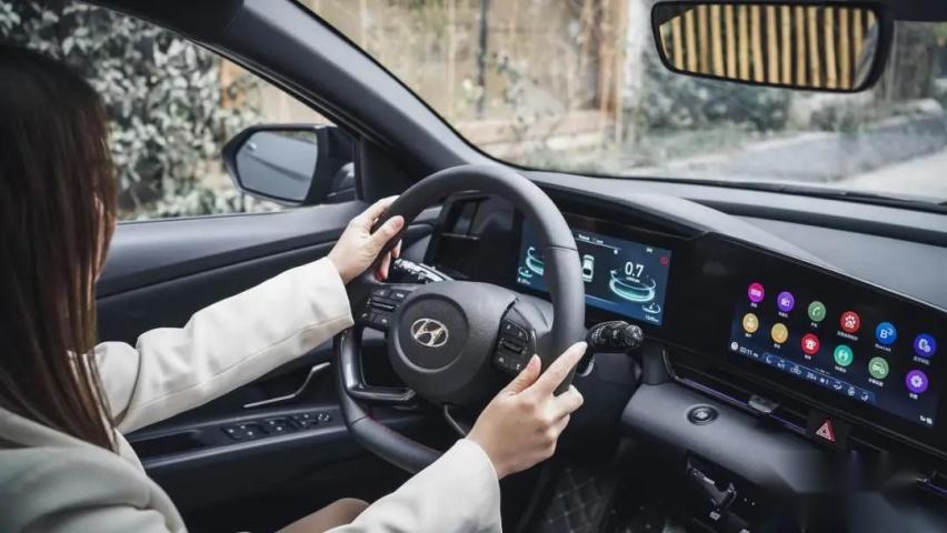 轴距2730mm、价格不到10万,这台韩系车值不值得买?