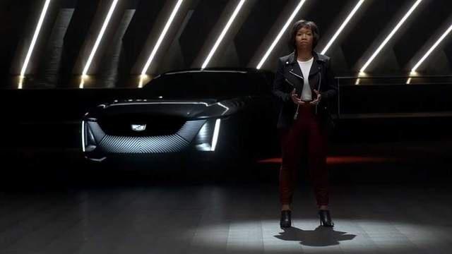 凯迪拉克电动旗舰Celestiq原型车亮相,配备可变色顶棚