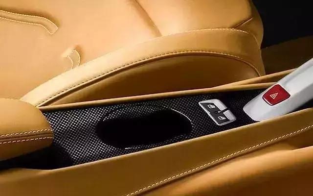 豪车上最贵的5个选装件,一个杯座16万,土豪的世界我们不懂!