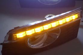 有些人白天行车中,车灯可以关为什么偏偏不关?