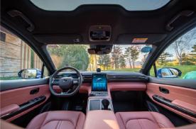 好看、好玩、好开 试驾蔚来智能电动轿跑SUV EC6