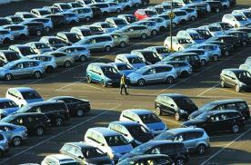 车企产能过剩两极分化,谁在偷着乐,谁又是热锅上的蚂蚁?