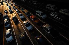 增发指标拉动汽车销量?可能的拥堵需要提前关注