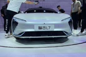 售价40.88万,智己L7亮相上海车展,实力强劲引人期待