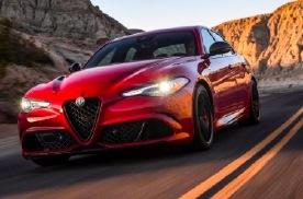 阿尔法·罗密欧新款Giulia四叶草版上市 售97.98万