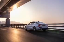 沉稳或放肆的性格取决于驾驶它的方式,赛道试驾2022款沃尔沃S60