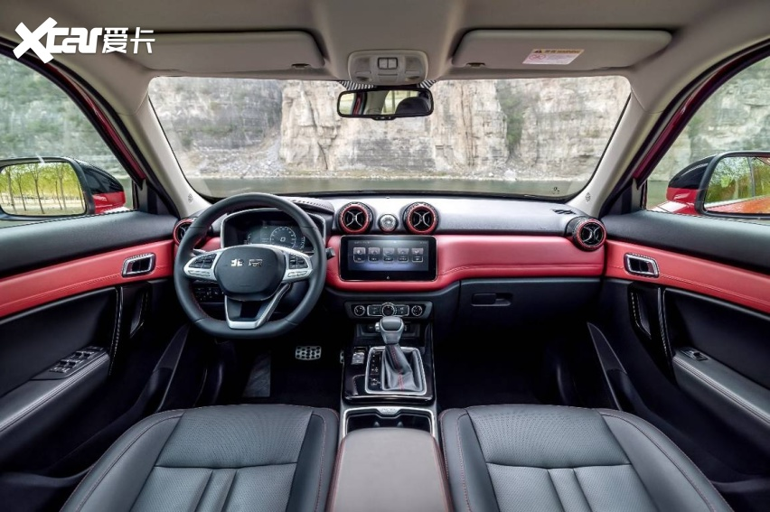 售价10.58-12.58万,BJ30率先进军紧凑级SUV市场