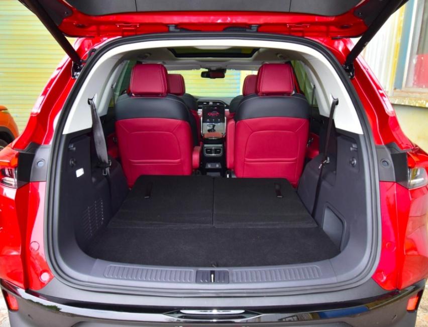 超大空间,极致安全,D60成高热度家用SUV