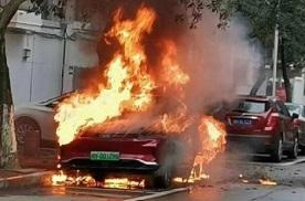 重庆男子频拔邻居充电桩,不接受电动车至此地步,谁能解?