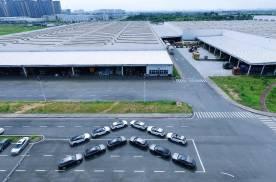 8月9日预售 东风雪铁龙凡尔赛C5 X首批展车运往各地经销商