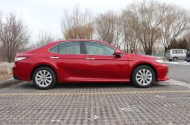 重新定义20万级家用轿车市场,全新丰田凯美瑞再现王者姿态