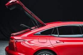 第三代奔腾B70上市 采用红旗平台 价格与H5无缝衔接