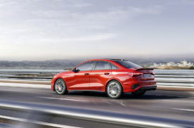 小鹏将推P5;比亚迪拟收购阿斯顿马丁;新款Model S曝光