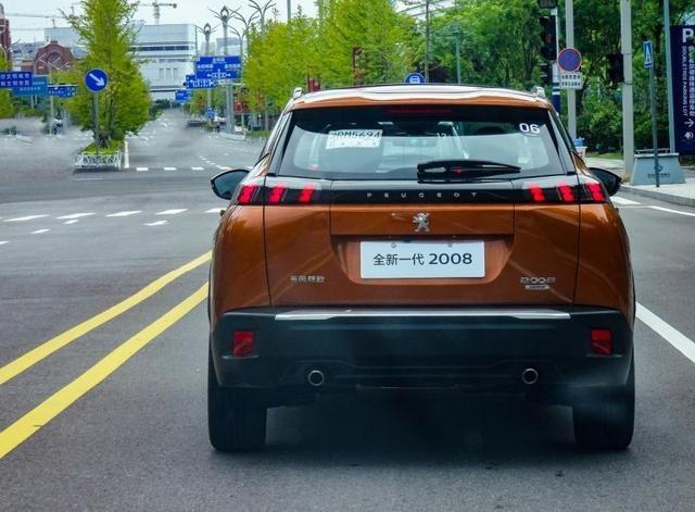 双车齐发,试驾标致e2008/2008,配3D全液晶仪表,能取代3008吗?