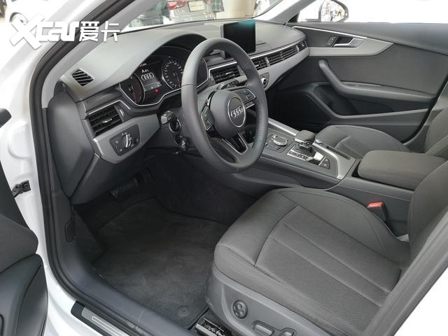 宝马3系和奥迪A4L比降价?都是豪车车型,谁优惠更大呢?