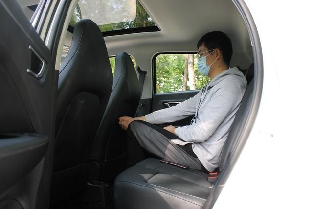 小型车的身材,豪华车的配置,零跑T03上市,补贴后售价6.58万起