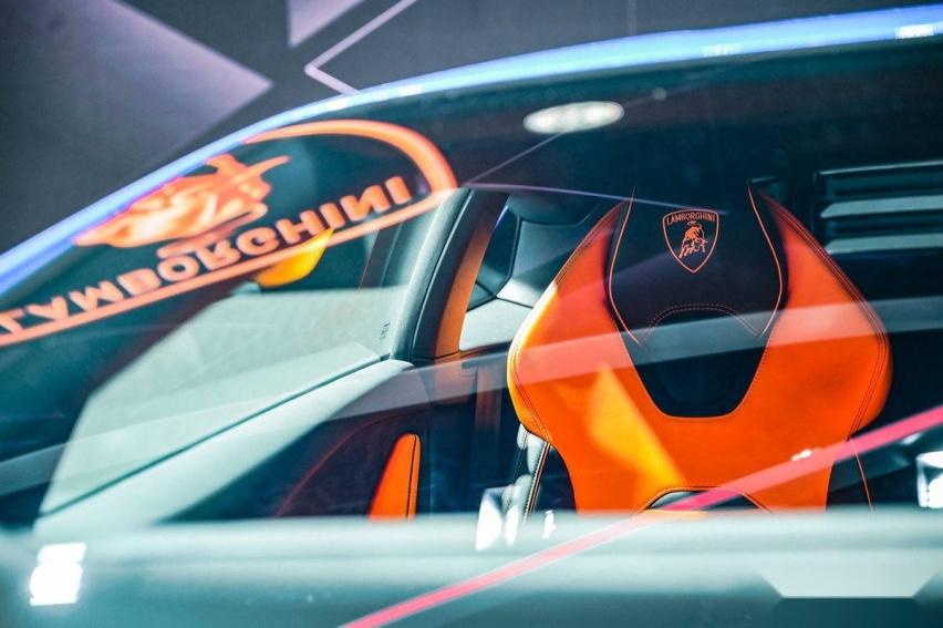 《【华宇娱乐开户】兰博基尼 Urus全新珍珠漆特别版亮相成都车展》
